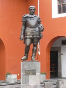 Quito, statua di Benalcazar